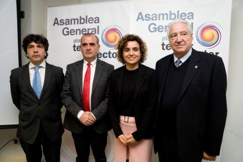 Foto del Secretario de Estado Mario Garcés, nuestro Presidente Luciano Poyato, la ministra Dolors Montserrat y el presidente de Cáritas española Rafael del Río
