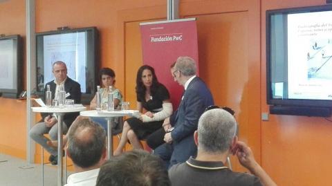 foto durante la presentación del informe