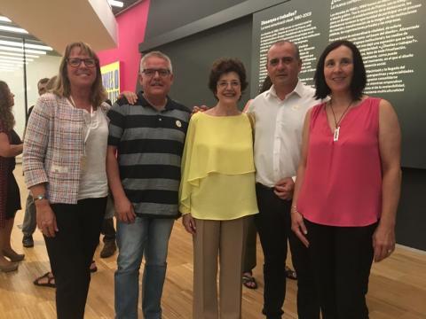 Foto de representantes de la PTS con representantes de la Taula