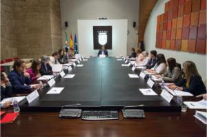 foto durante la reunión de la mesa de diálogo civil