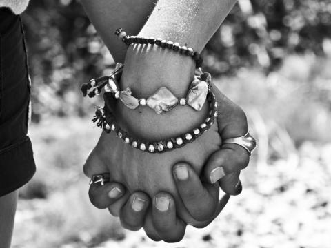 imagen de manos que simboliza la cooperación