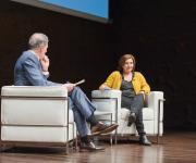 Foto durante la intervención de Pilar Garrido, Podemos, con el periodista José Manuel González Huesa