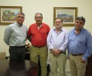 Foto de los asistentes a la firma