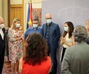 Foto de los asistentes durante la charla coloquial tras la firma del acuerdo